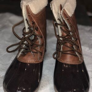 Shoes - Yoki Dylan Duck boots brown w/Sherpa lining
